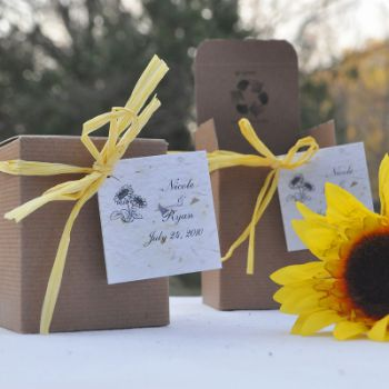 Go green with outdoor wedding favors