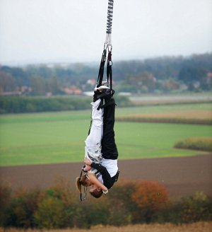 extreme outdoor wedding locations, bungee jumping wedding