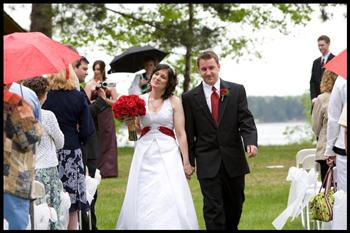 outdoor wedding raining